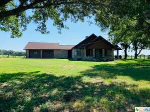 Real Estate for Sale, ListingId: 66149757, Hallettsville TX  77964